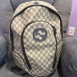 Gucci supreme backpack